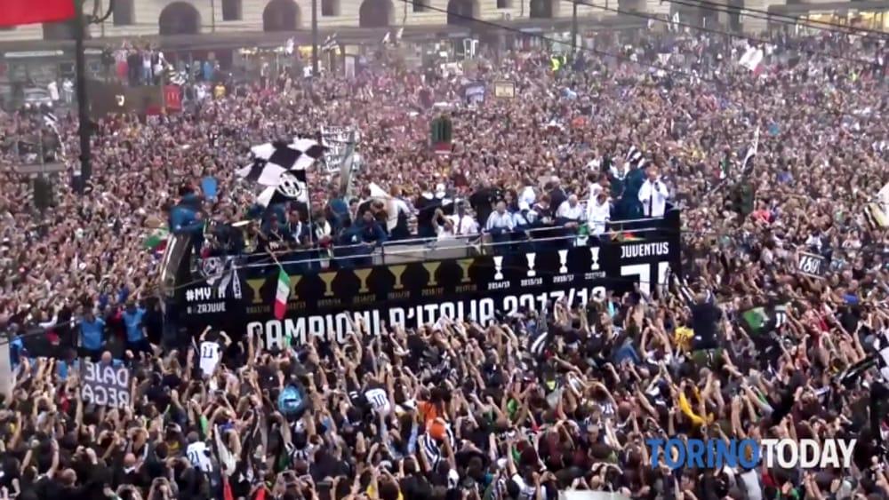 festa scudetto Juventus autobus scoperto-2