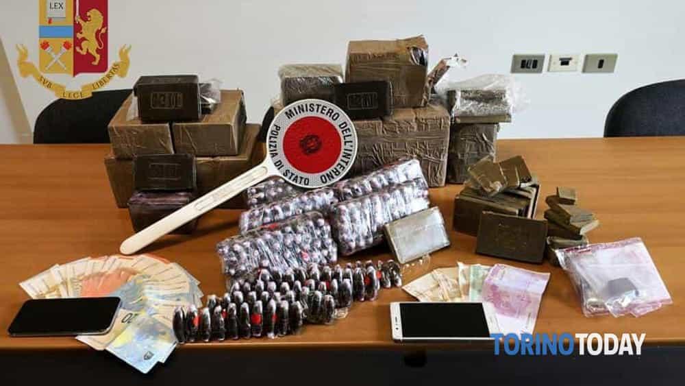 Torino Madonna Campagna sequestro 20 kg hashish 21 22 5 19 2-2