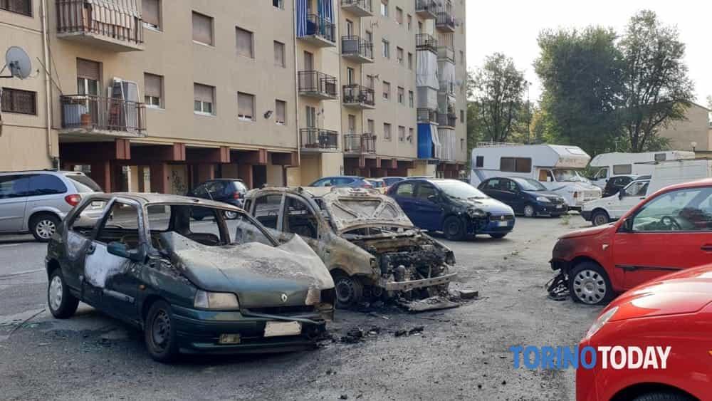 Venaria 5 auto bruciate 11 ottobre 2019 a-2
