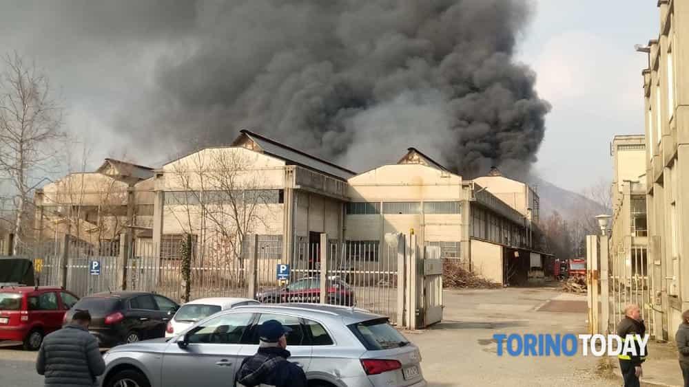 Rosta incendio vecchia fonderia marzo 2018-2