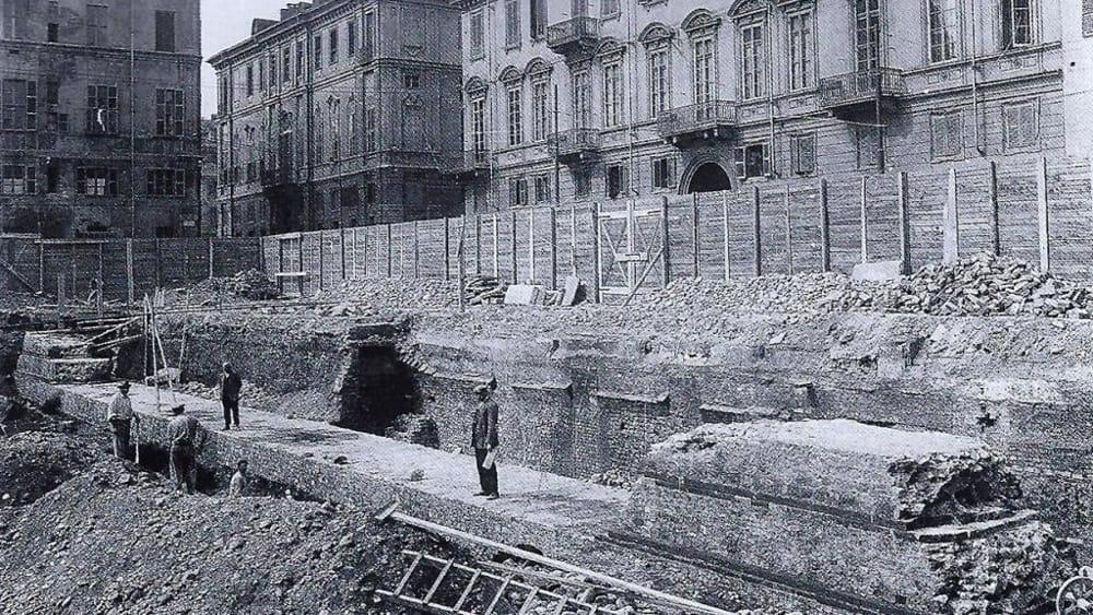 Un tratto del lato occidentale della cinta muraria di età romana in via della Consolata, © Soprintendenza per i Beni Archeologici del Piemonte e del Museo Antichità Egizie-2