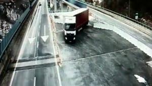 tir-inversione-ramat-autostrada-torino-bardonecchia-frejus-171222-2-2-2