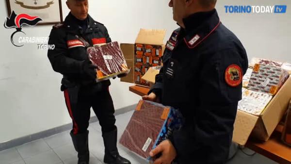 Denunciati tre mercatali, oltre alla verdura vendevano botti illegali: sequestrati 173 chili di fuochi