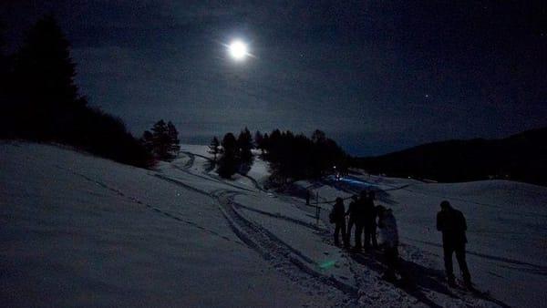 Camminata sotto la luna piena a Sauze d'Oulx