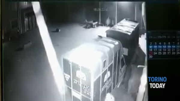 I ladri rubano nel maneggio: i titolari postano il video sui social