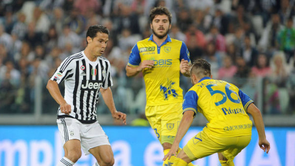 Hernanes in azione © Infophoto
