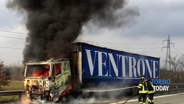 Chivasso Verolengo autorticolato in fiamme Feb 2018 2-2