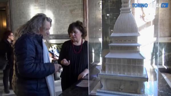 La Mole Antonelliana diventa una torta: si può ammirare, ma non toccare