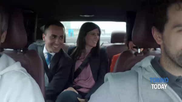 Al via i test per l'auto a guida autonoma: a bordo anche Luigi Di Maio con Chiara Appendino