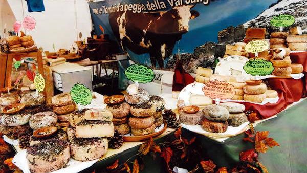 """""""Dalla collina alla tavola"""", i prodotti tipici in piazza a Pino Torinese"""