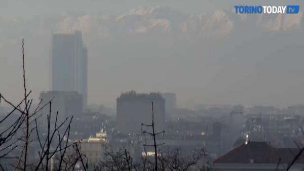 Emergenza inquinamento: i simboli di Torino avvolti dallo smog