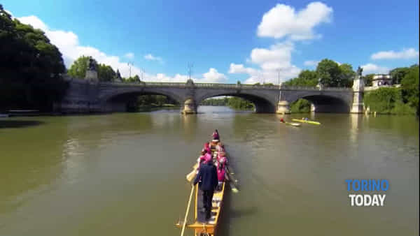 In canoa a sostegno della ricerca sul cancro, la maratona (agonistica) diventa solidale