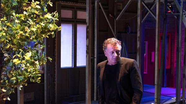 Lezioni shakespeariane: Valerio Binasco su Amleto al Carignano