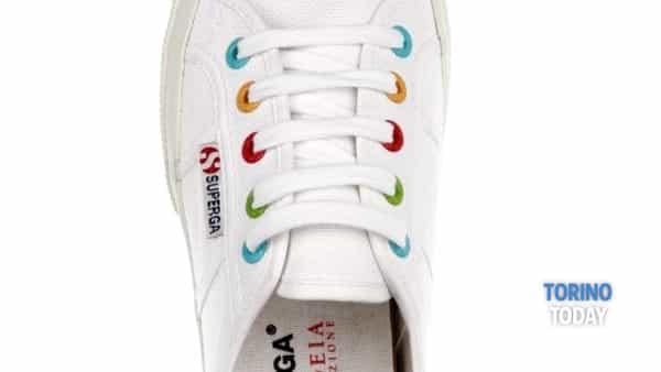 alla bottega paideia arriva la sneaker solidale per fondazione paideia -2