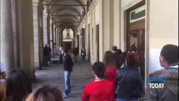 Piazza Palazzo di Città diventa un set cinematografico per il nuovo film con Claudio Bisio