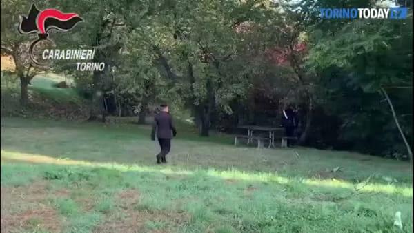 Di giorno giardiniere, la sera spacciatore: arrestato il pusher della collina | Video