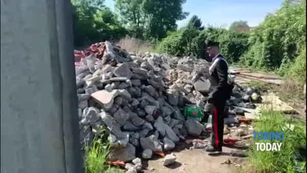 Discarica abusiva dentro il campo rom: due giostrai finiscono nei guai