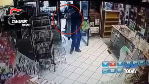Violenti e imbranati, arrestati 5 operai del crimine: i colpi messi a segno nelle tabaccherie