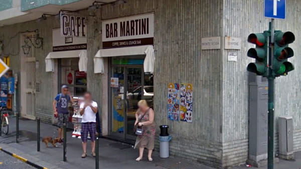 Il bar Martini di via Monte Rosa, dove avvenne l'aggressione finita male