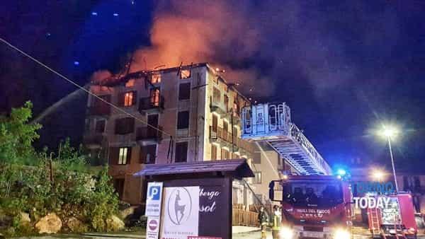 Balme albergo Camussot incendio 2-3