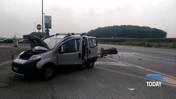 Piossasco incidente mortale furgone moto (2)-2