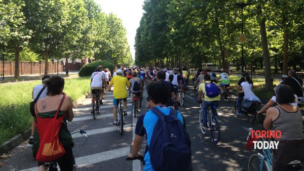 Bike Pride, in ventimila per le strade di Torino in bicicletta