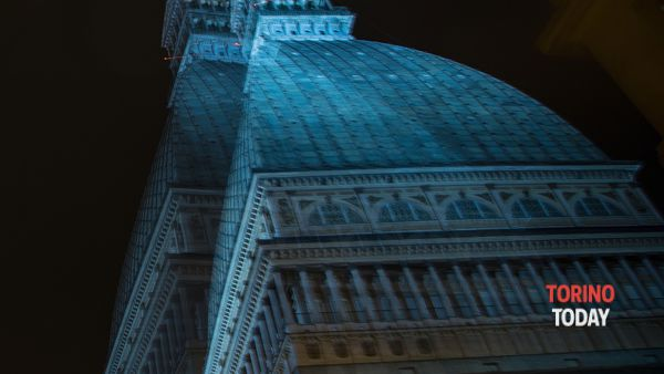 Lotta all'autismo, la Mole Antonelliana si colora di blu