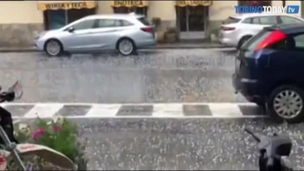 Meteo 'pazzerello': nel video la grandinata di ieri, oggi pomeriggio ancora pioggia