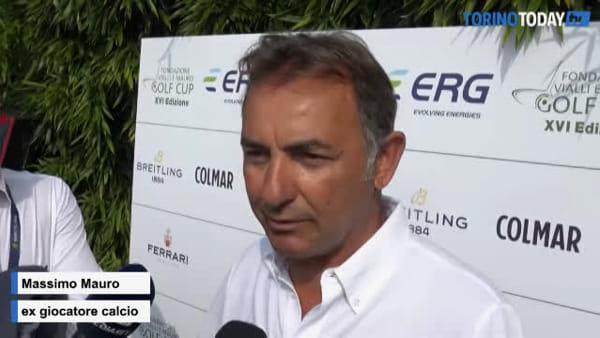 Platini e Van Basten a Torino sul campo da golf contro la SLA: il siparietto prima della gara | VIDEO