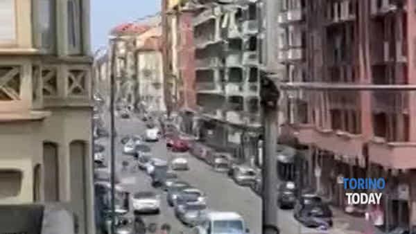Lavori per il prolungamento della pista ciclabile: traffico nel caos e lunghe code