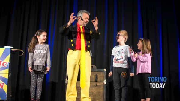 una domenica magica al circolo amici della magia di torino con il natalino contini magic show -4