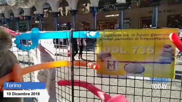 Padri separati in presidio a Torino, per rivendicare il diritto a stare con i propri figli