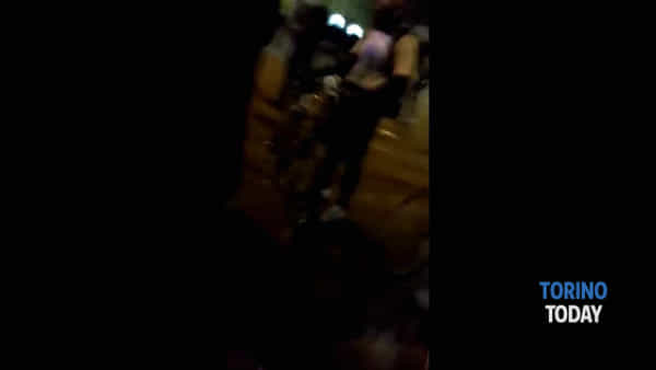 Scontri con la polizia al corteo dei ciclisti, tra i manifestanti esponenti dei centri sociali