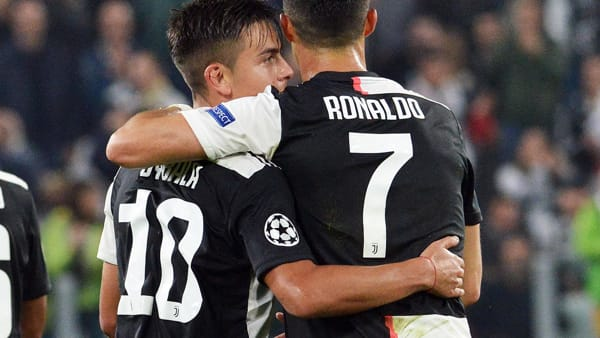 Video gol e sintesi partita Verona-Juventus 2-1: Ronaldo, Borini, rig. Pazzini