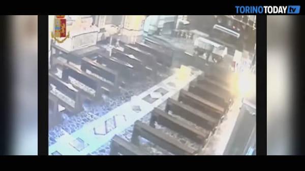 A fuoco i presepi di due chiese, preso il piromane: è una senzatetto