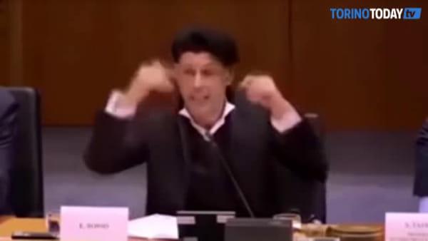 """È morto Ezio Bosso, il suo discorso al Parlamento europeo: """"L'Europa è un'orchestra. La musica abbatte i confini"""""""