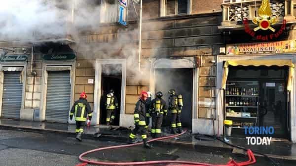Incendio phone center Giulio Cesare 132 13 12 19 2-2