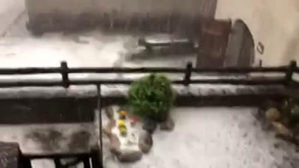 Pioggia e grandine su mezza provincia, serata di allagamenti e disagi