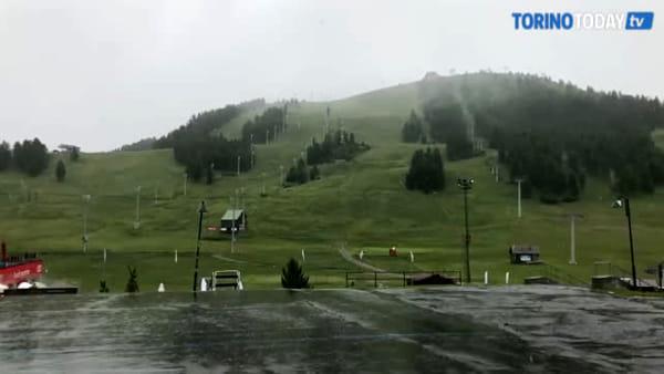 Maltempo nel torinese, a Sestriere è arrivata la neve: il video della nevicata