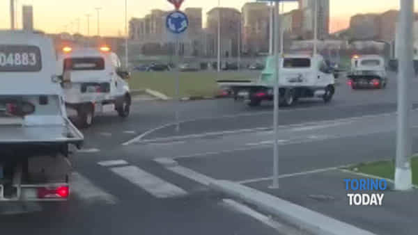 Una parata di carriattrezzi per l'ultimo saluto a 'Bombolo', morto per un tumore