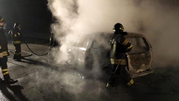 auto in fiamme Leini ex statale 460 (1)-3