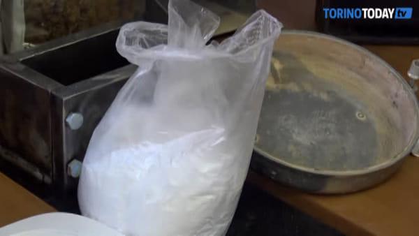 Fuga di gas nel condominio, la polizia interviene e scopre unlaboratorio per la produzione di eroina