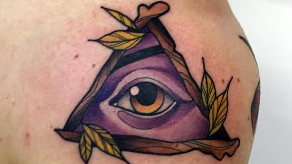 Tatuaggi benefici: finanziano l'associazione contro la violenza sulle donne
