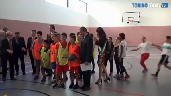 """Inaugurata la scuola del futuro, rinnovata grazie ai privati: """"Torino sarà un modello per il Paese"""""""