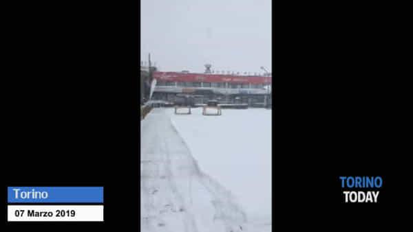 È tornata la neve, dove sono scesi gli ultimi fiocchi: video