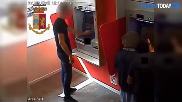 Anziana raggirata e derubata al bancomat, arrestato un uomo grazie alle telecamere di videosorveglianza