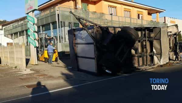 La scena dell'incidente avvenuto in via Busano a Valperga