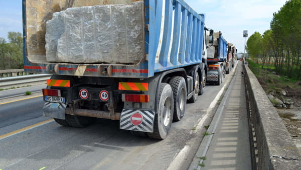 camion ponte sul torrente Pellice a Villafranca (1)-2