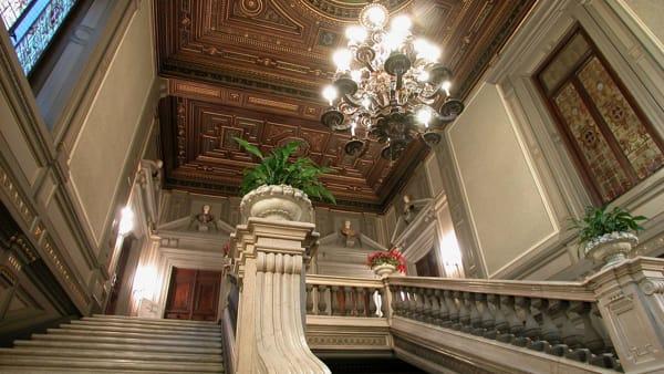 Visite animate e gratuite a Palazzo Cisterna: il calendario del 2020