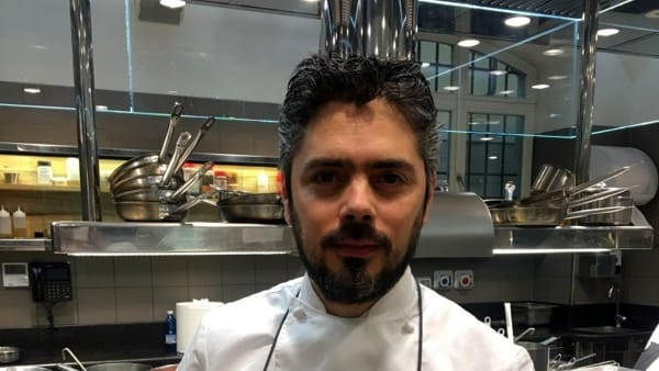 Lo chef Matteo Baronetto